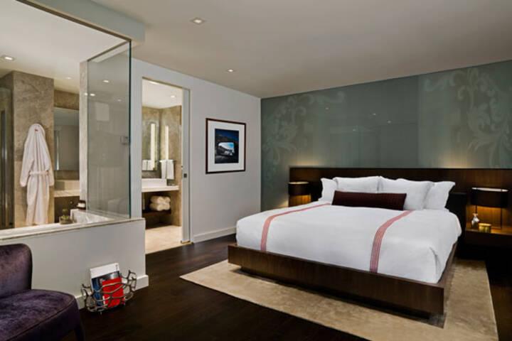 Hotels Near The Drake Hotel Toronto