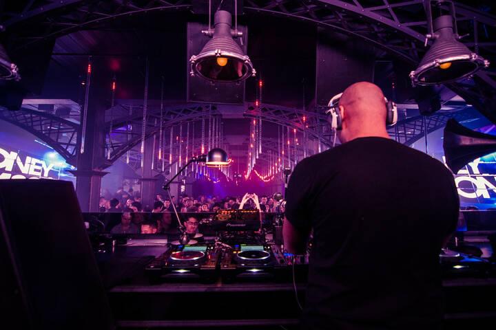 best nightclubs for singles in toronto