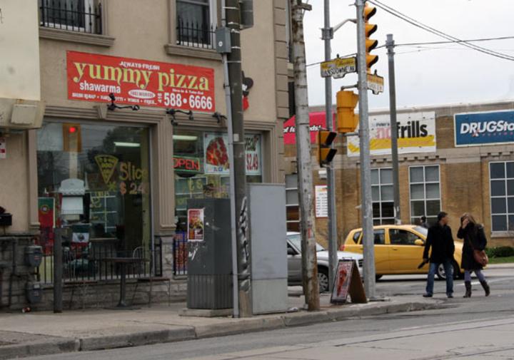 Yummy Pizza & Shawarma