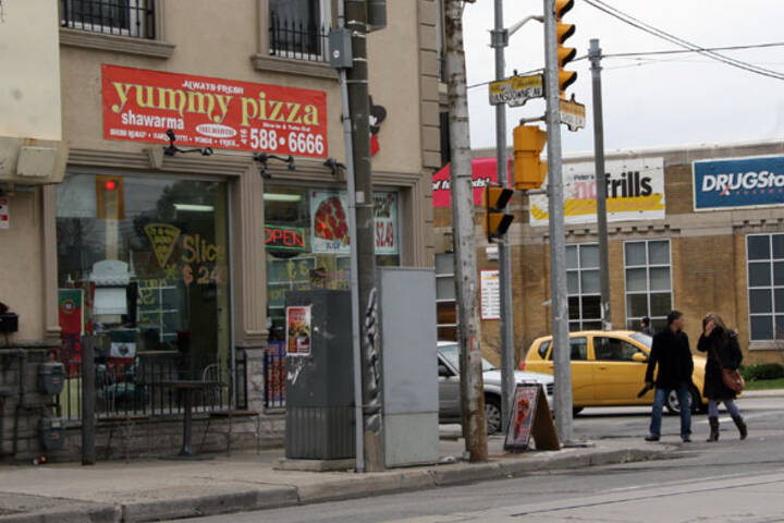 Yummy Pizza & Shawarma