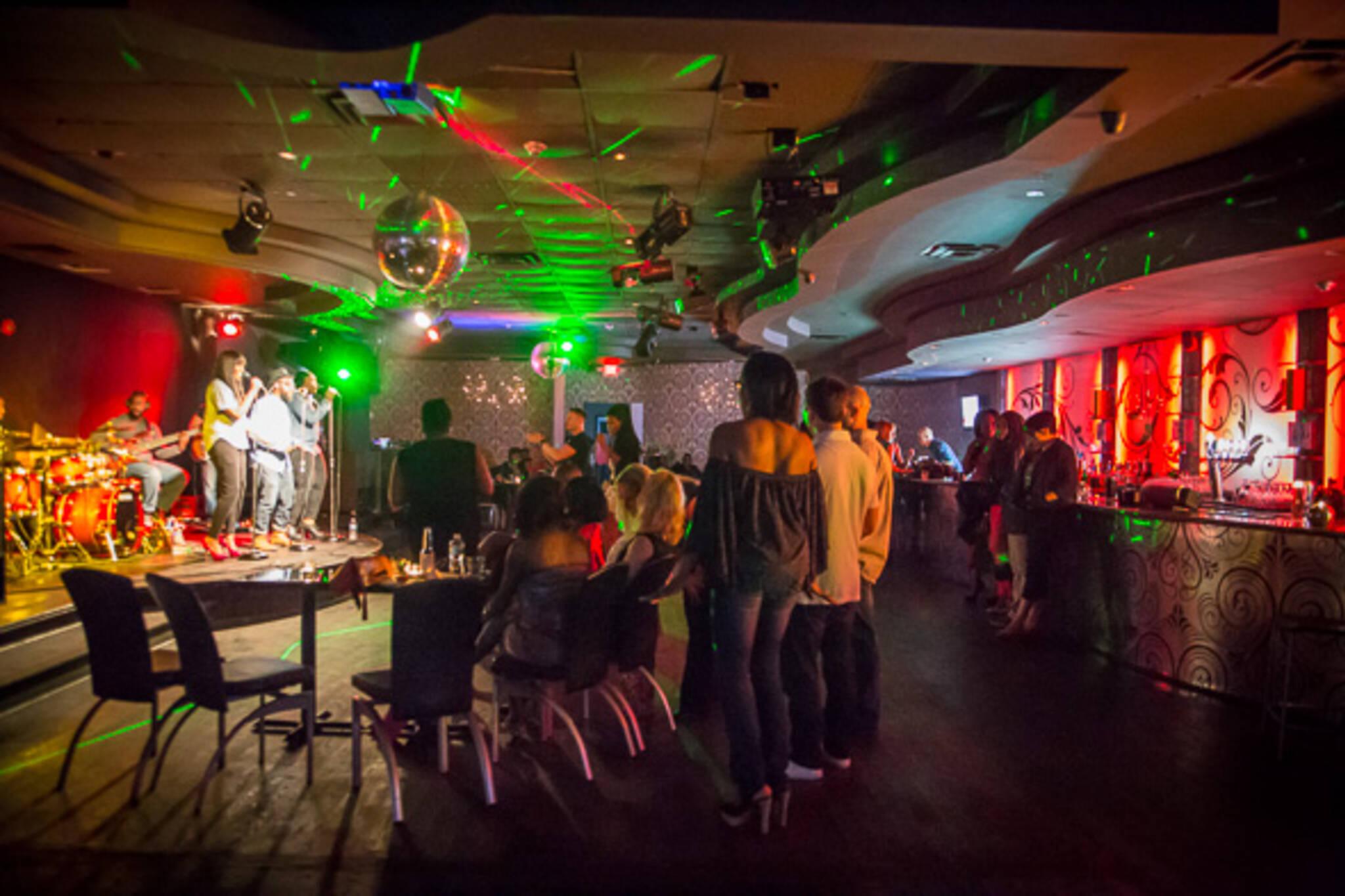 drag club Toronto