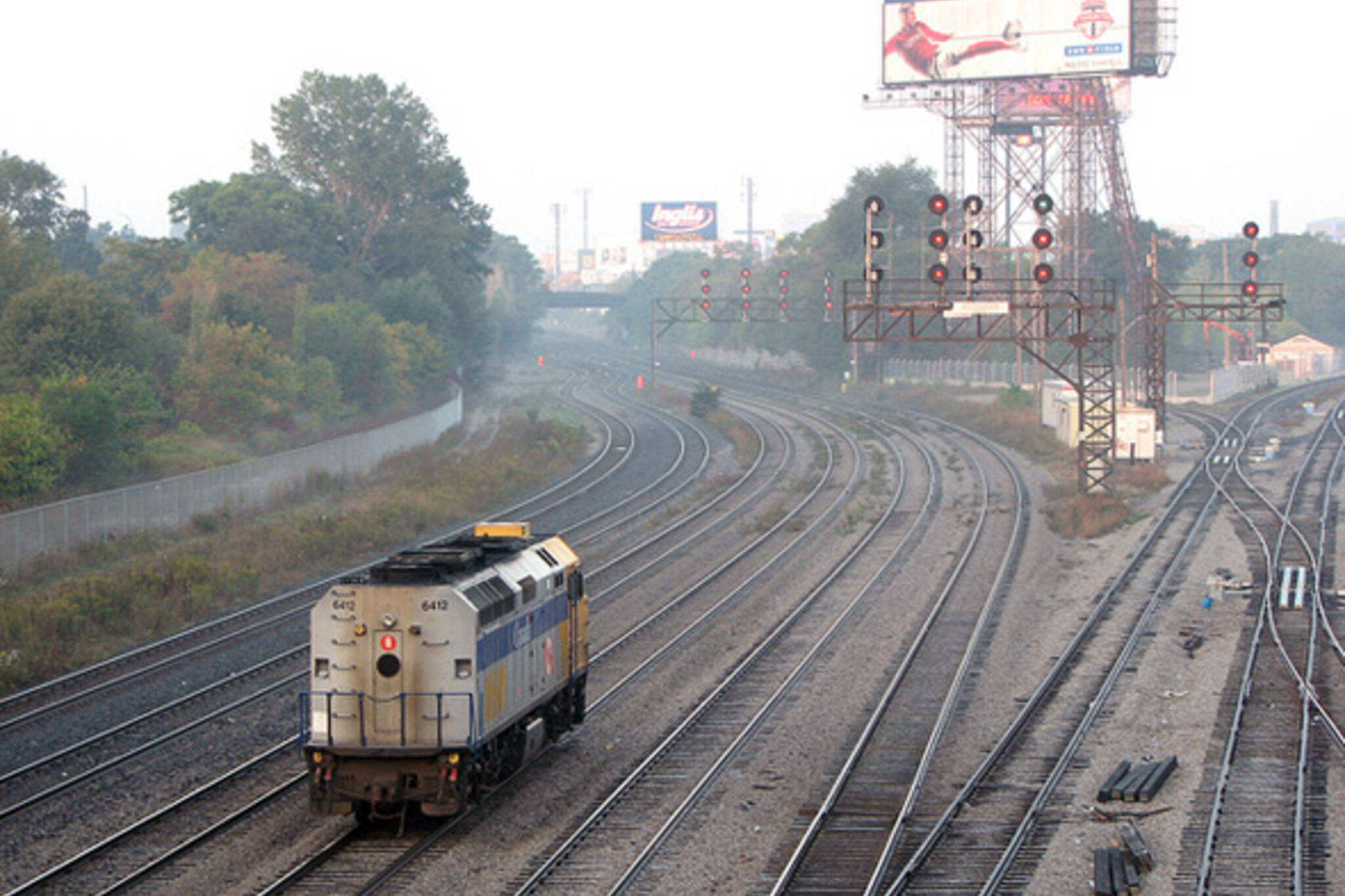 Train tracks Toronto