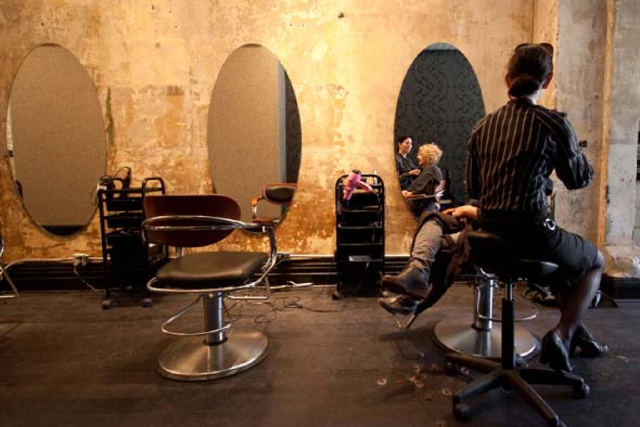 Hair salon roncesvalles