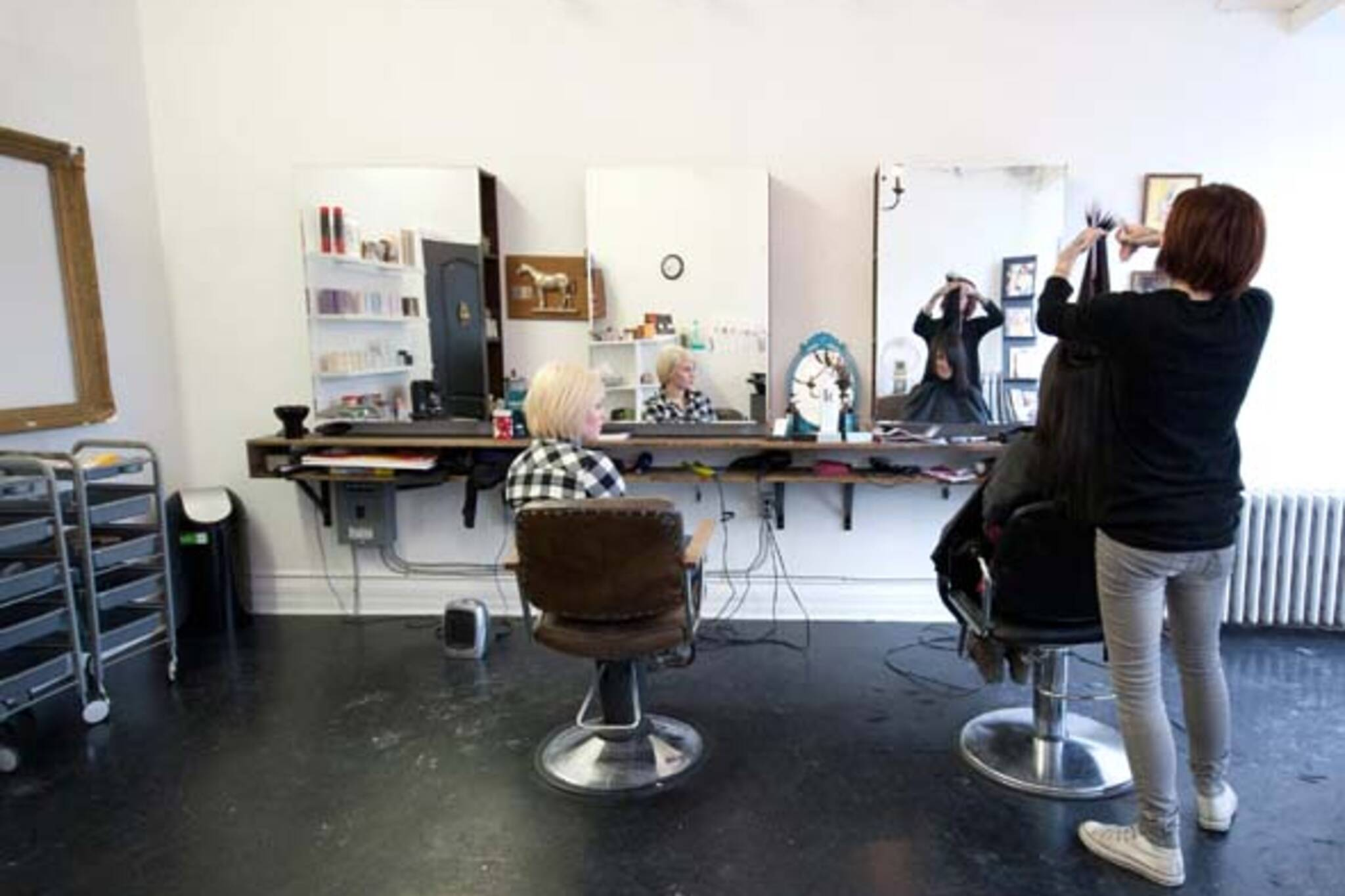 hair styling school toronto new college st salon a product of craigslist 6887 | d05e 20110125 proudest pony06