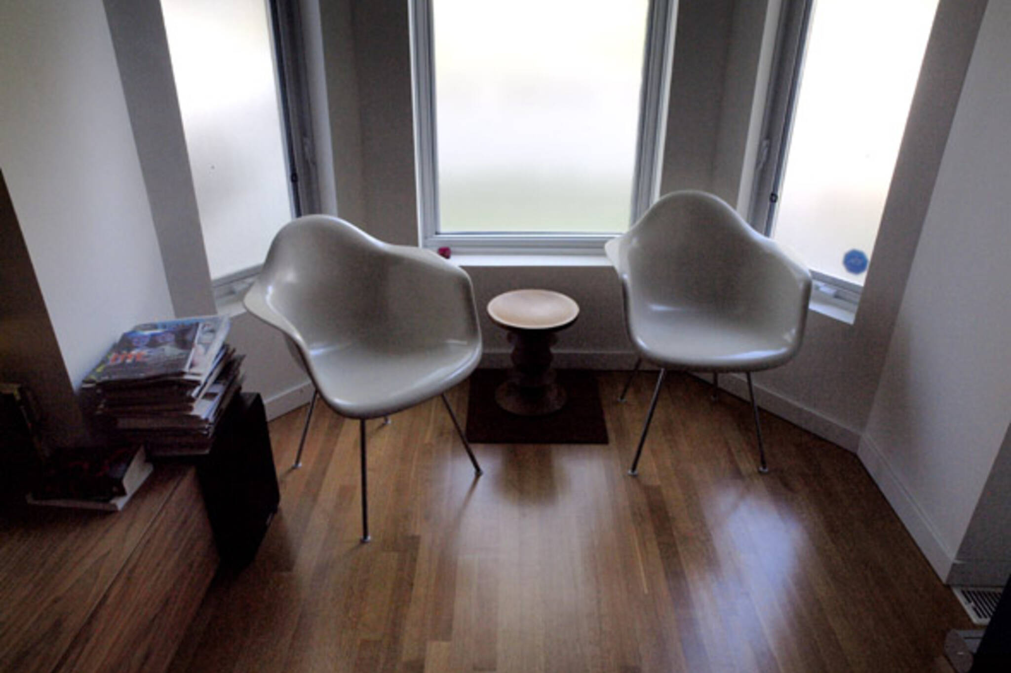chairs in the living room of Joe Troppmann and Danielle Lam-Kukzak