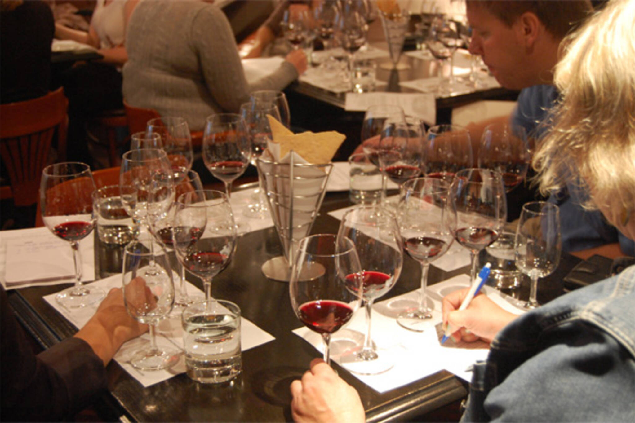 iYellow wine school toronto