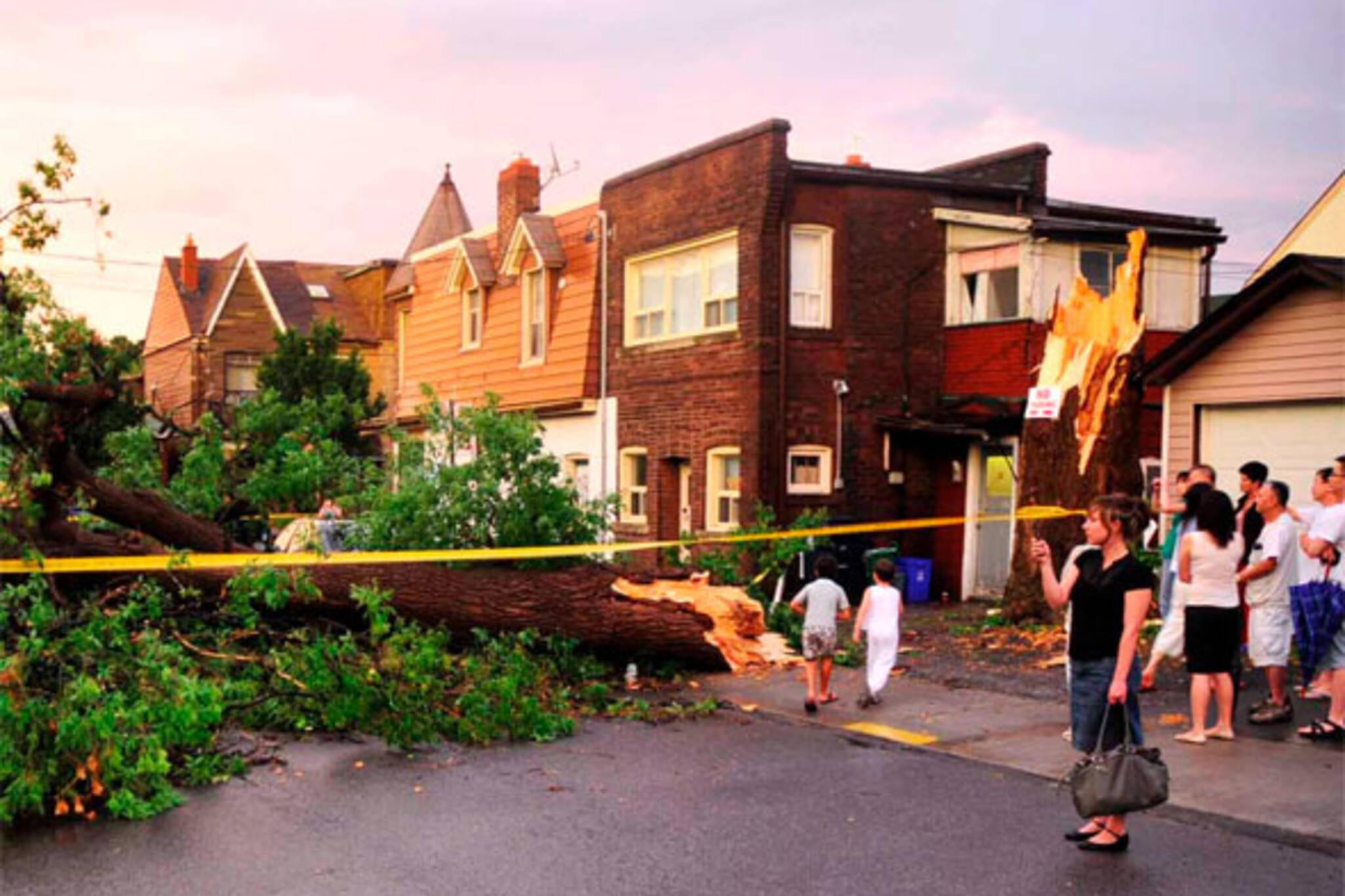 toronto tornado storm damage