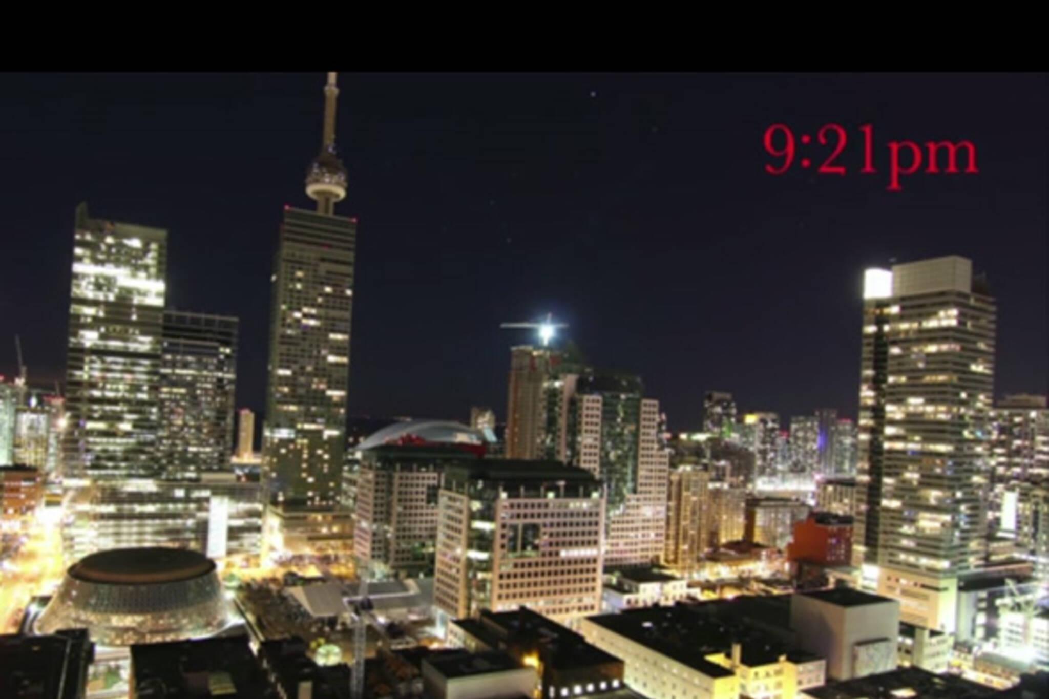 Earth Hour Toronto 2013