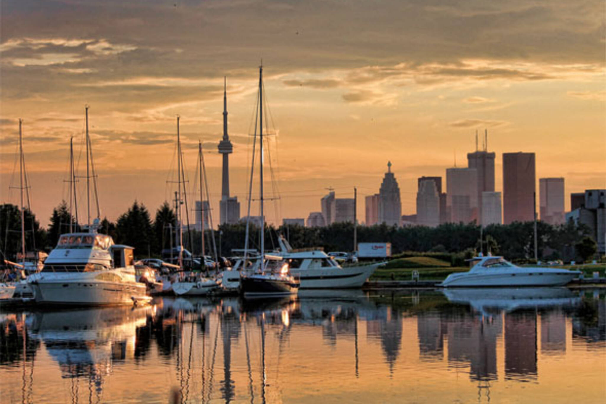 sunset marina toronto