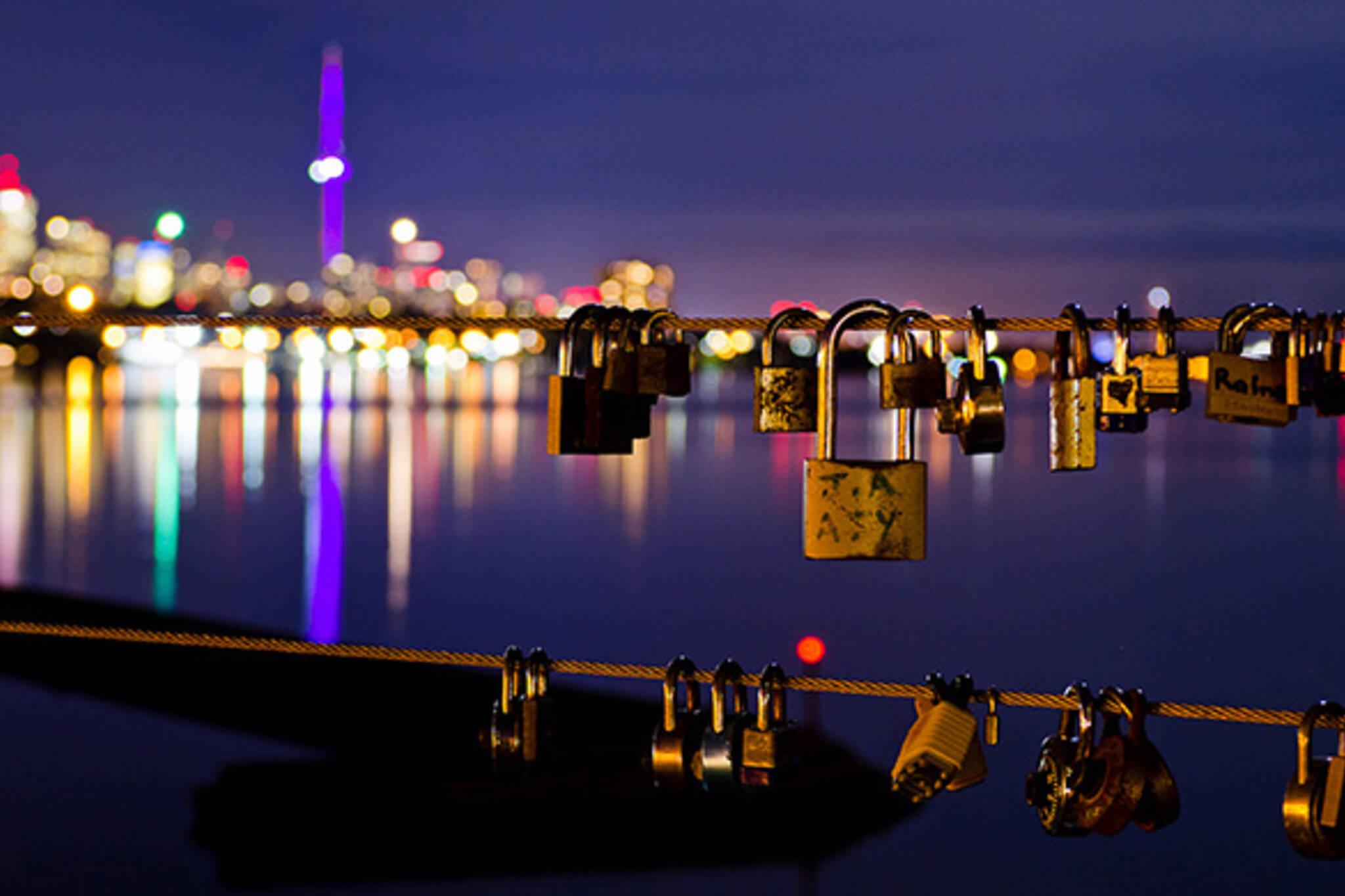 love locks humber bridge