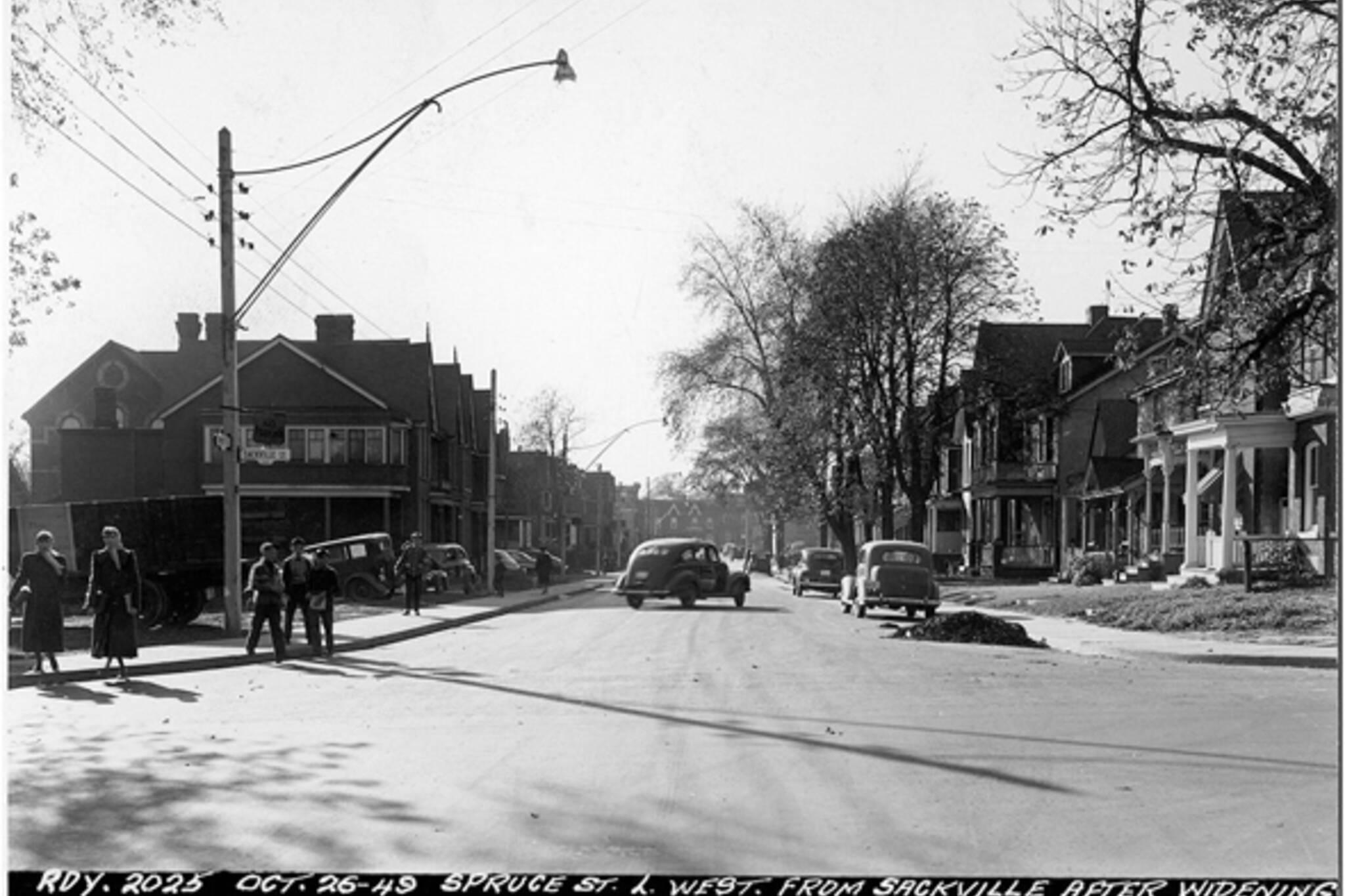 Toronto, Cabbagetown, Don Vale, Spruce Street, Sackville Street, Victorian architecture, gentrification, urban renewal, 1949