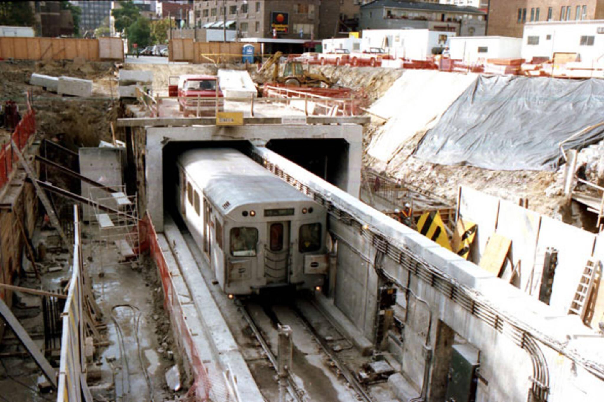 toronto bloor station construction
