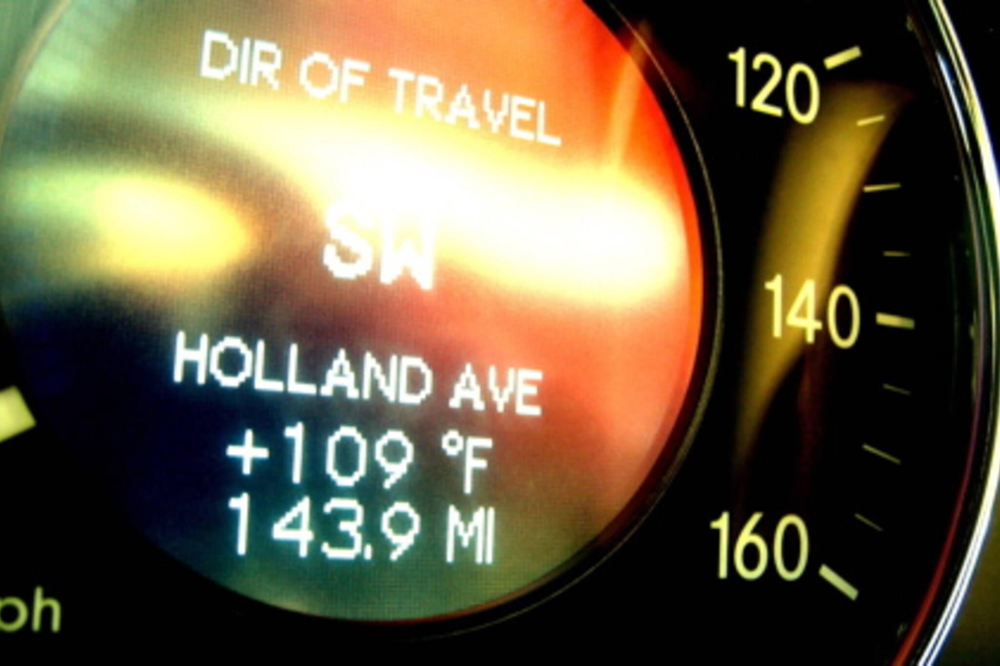 20070216_Mercedes gauge.jpg