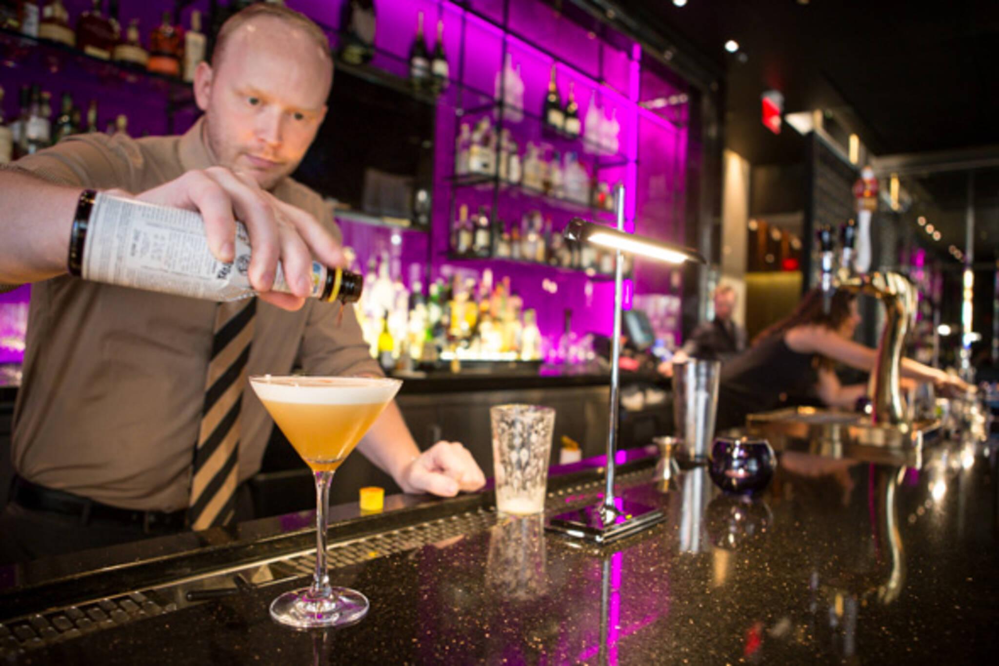 trump hotel bar