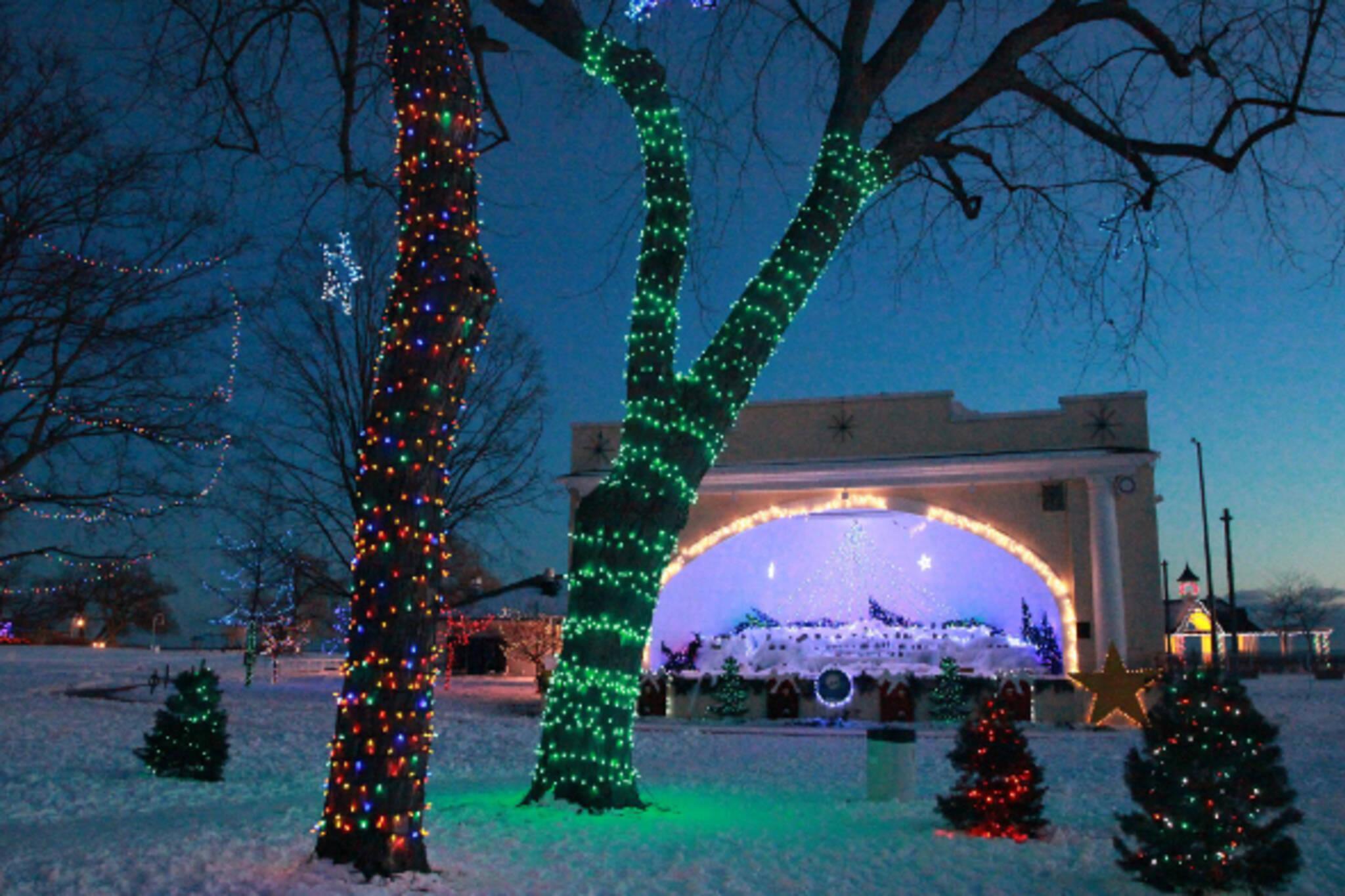 light show christmas toronto