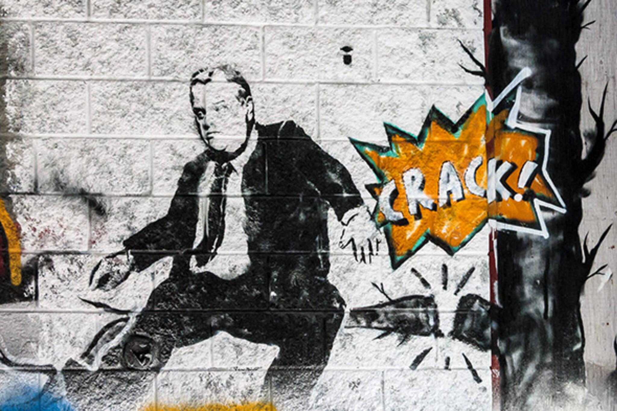 Crack mayor