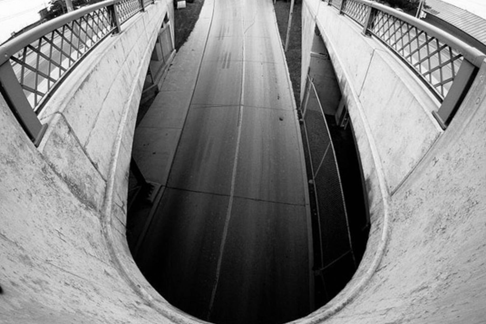 mouth, street, bridge