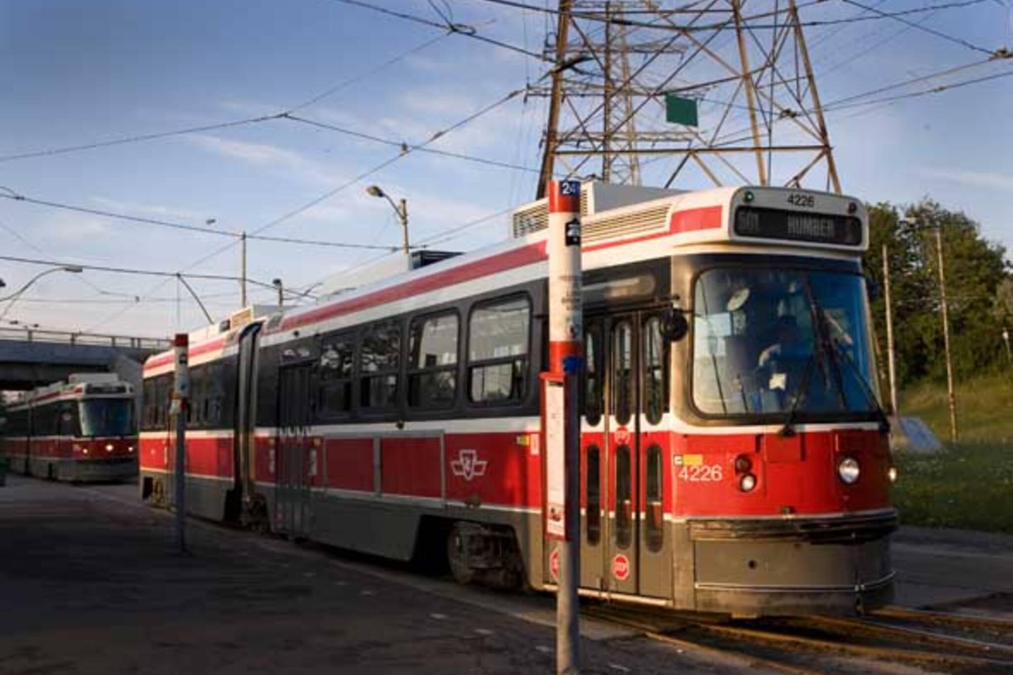 501 queen streetcar ttc