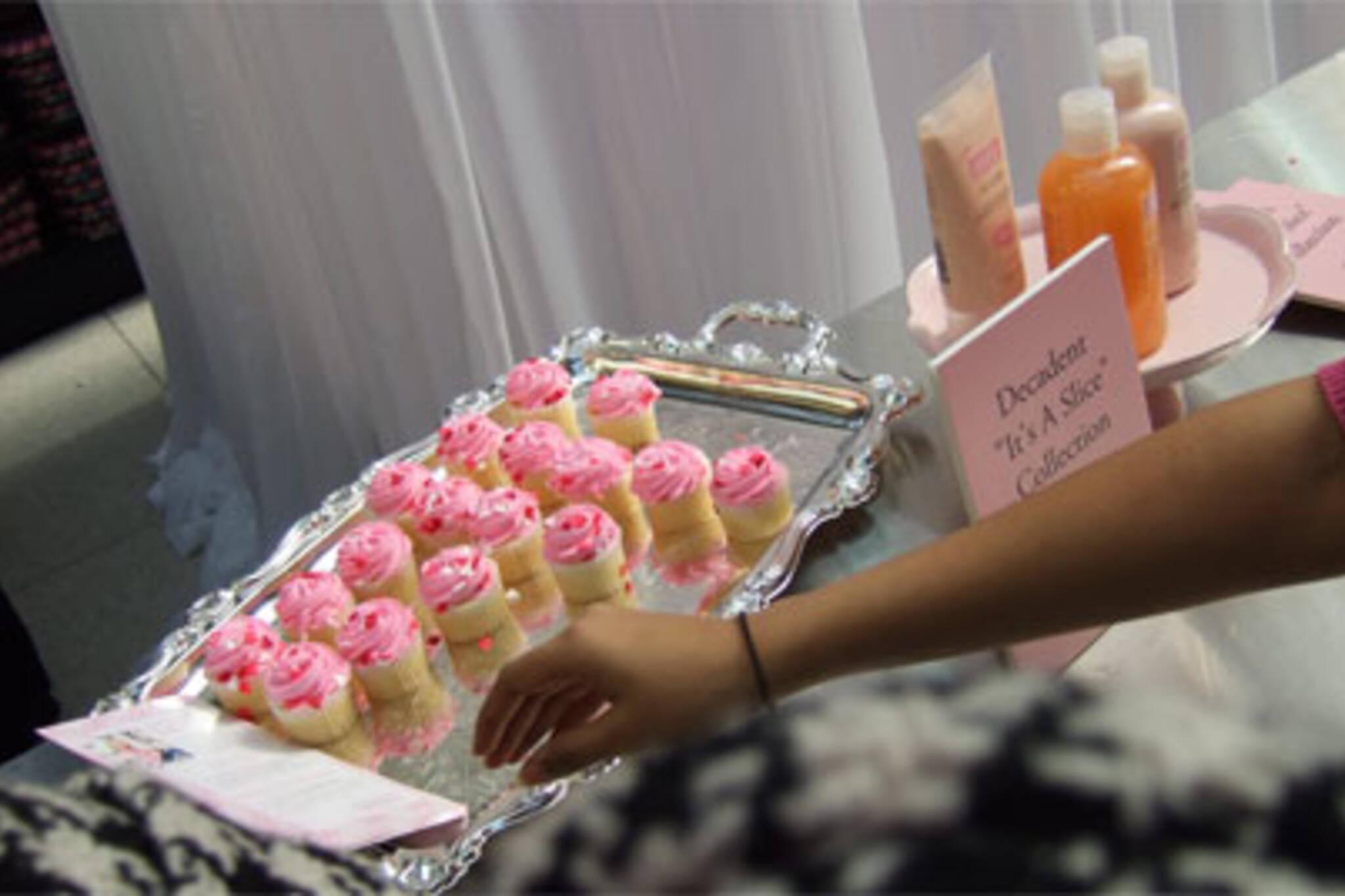 Cupcakes-a-plenty