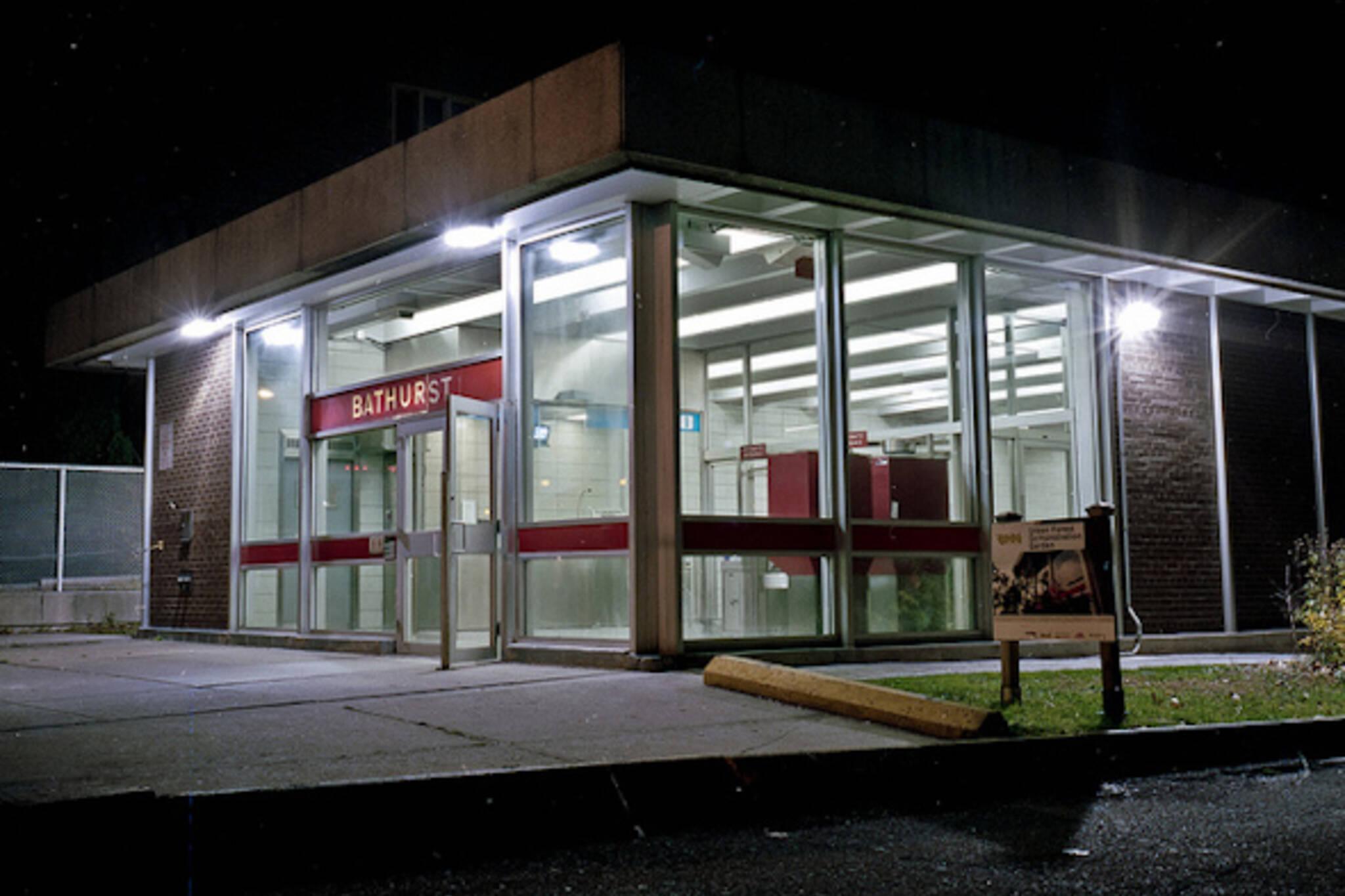 bathurst, subway, station