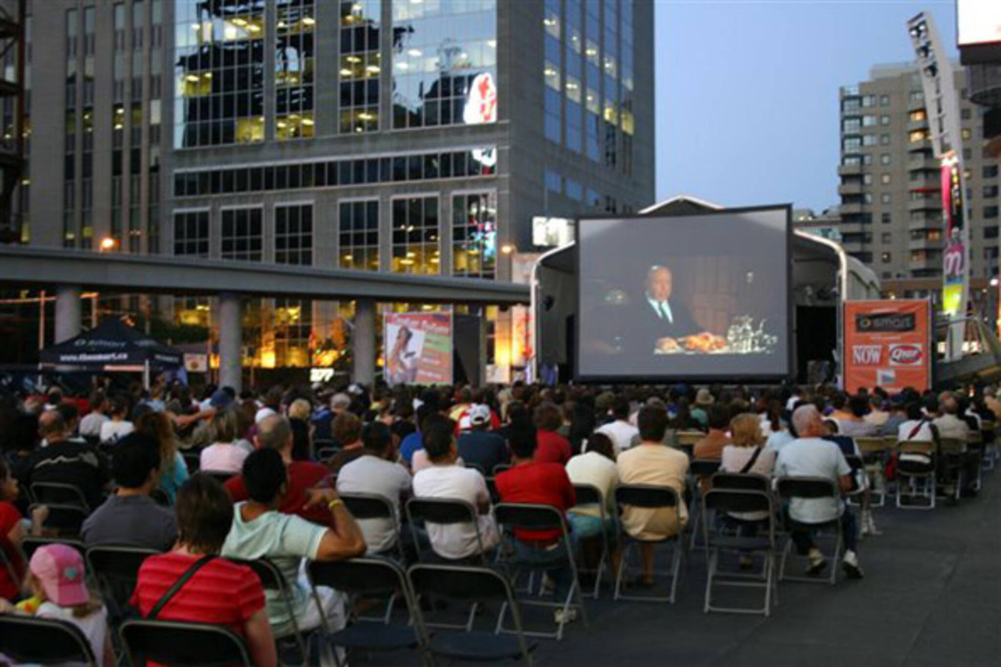 Yonge Dundas outdoor Screenings
