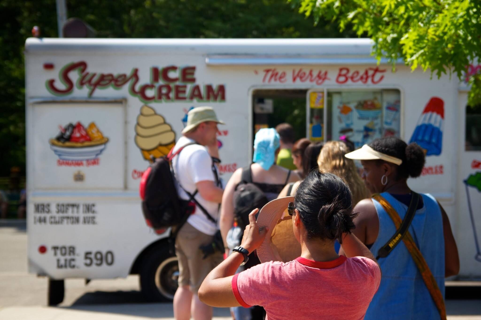 911,ice,cream,truck