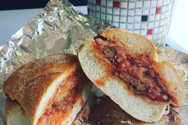 Bitondo Pizzeria & Sandwiches