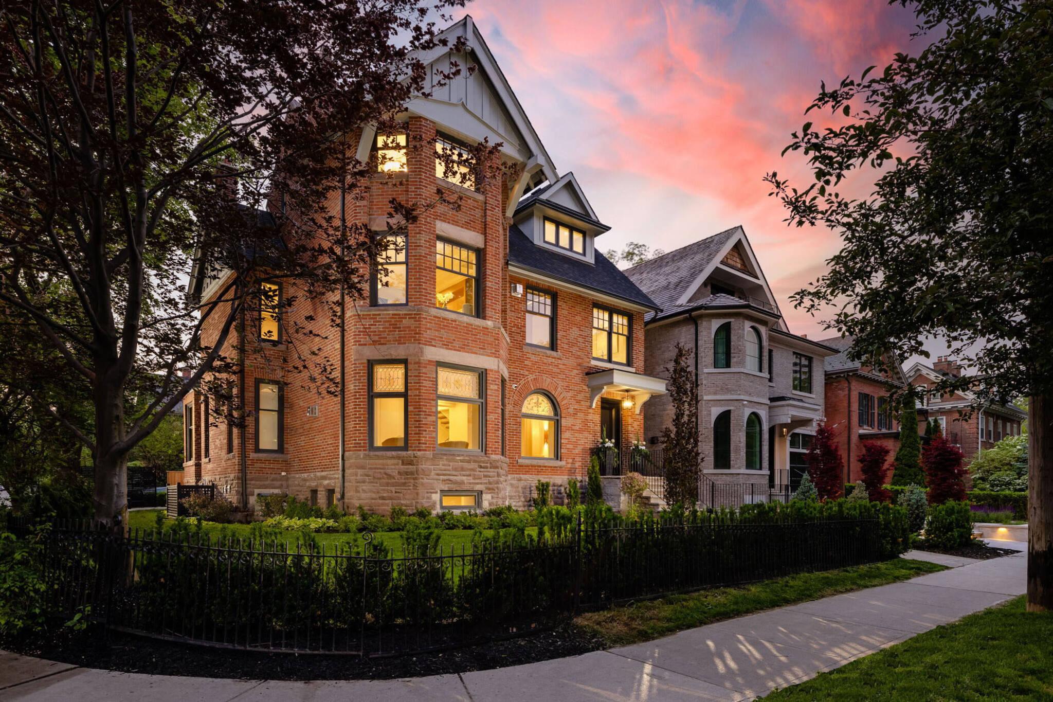 70 Lowther Avenue Toronto