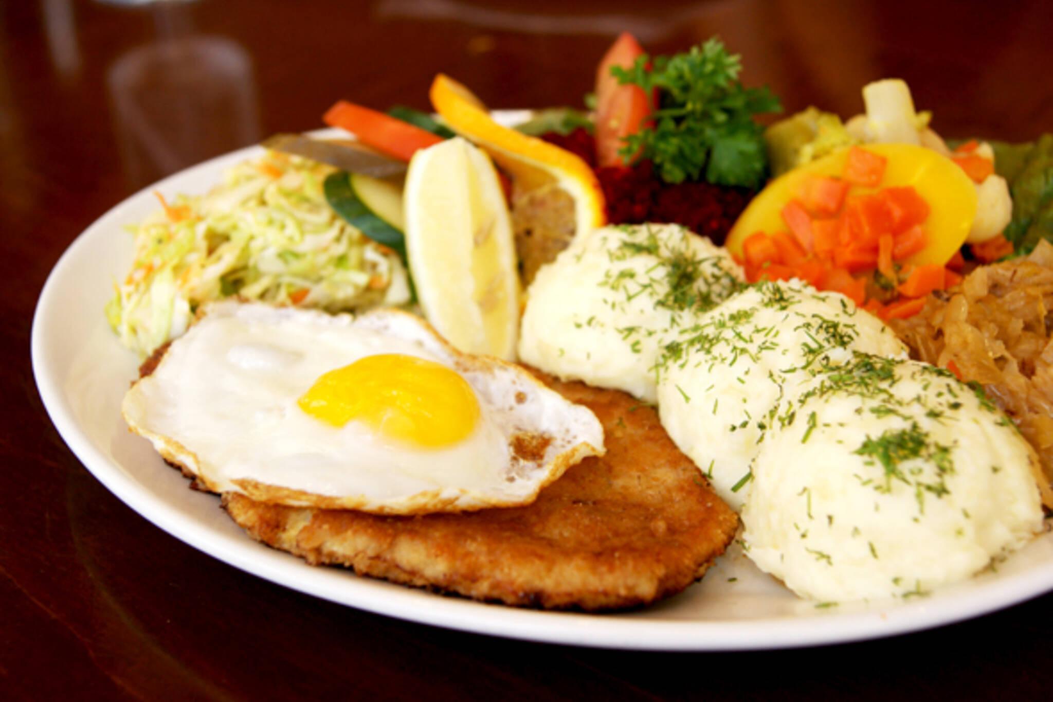 cafe polonez schnitzel