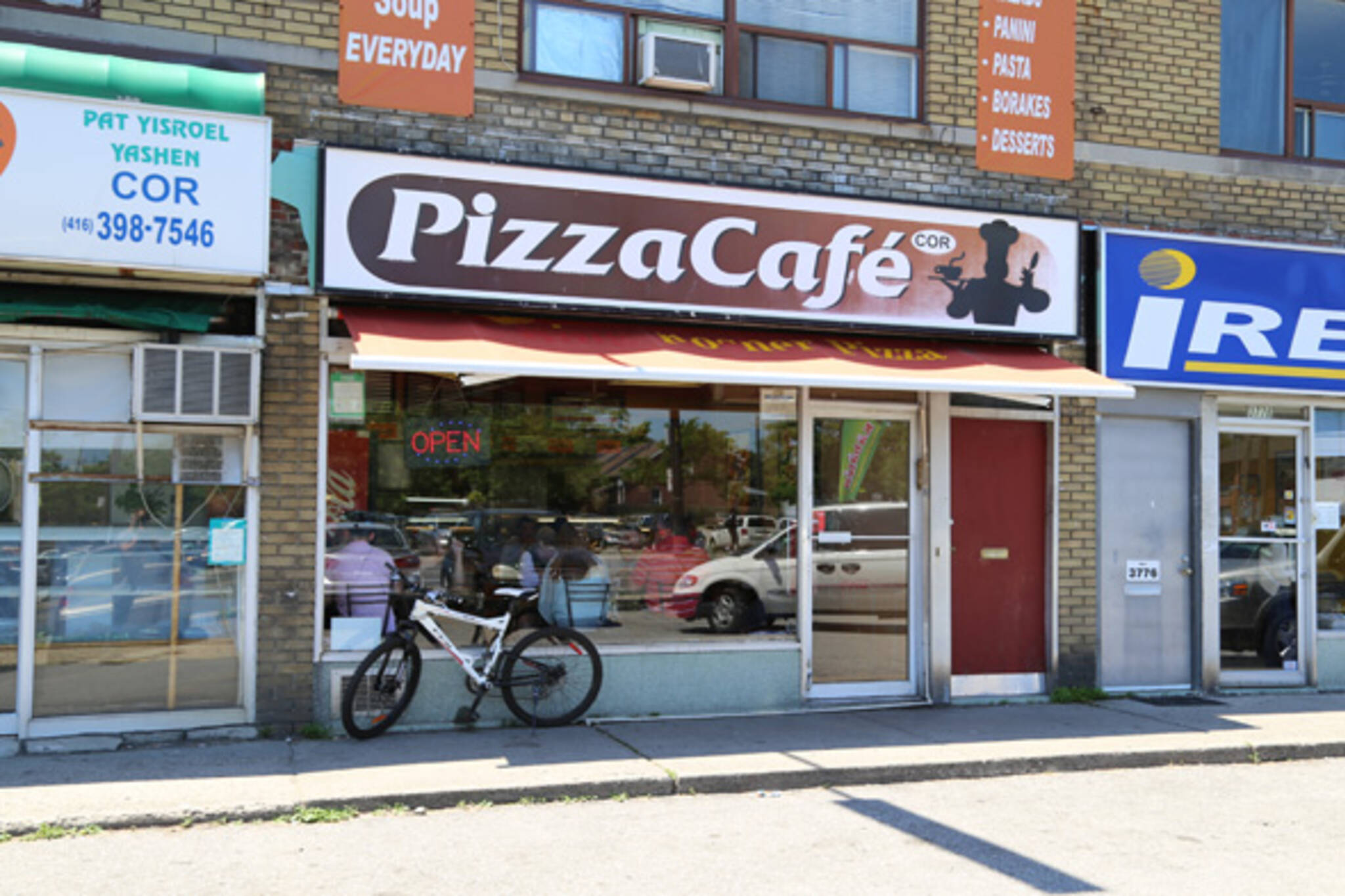 201379-pizzacafe.jpg