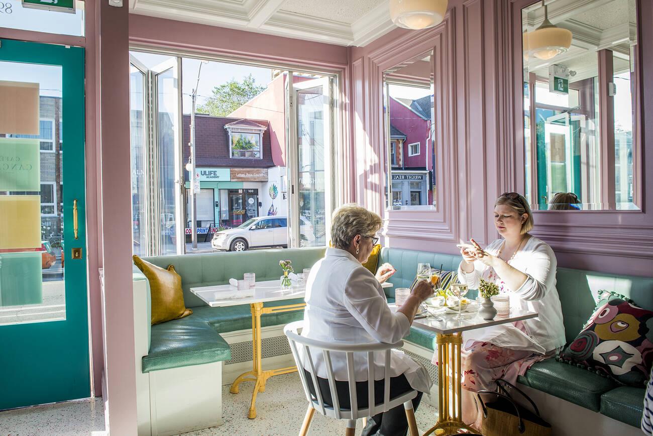 Best Light Bar >> Cafe Cancan - blogTO - Toronto