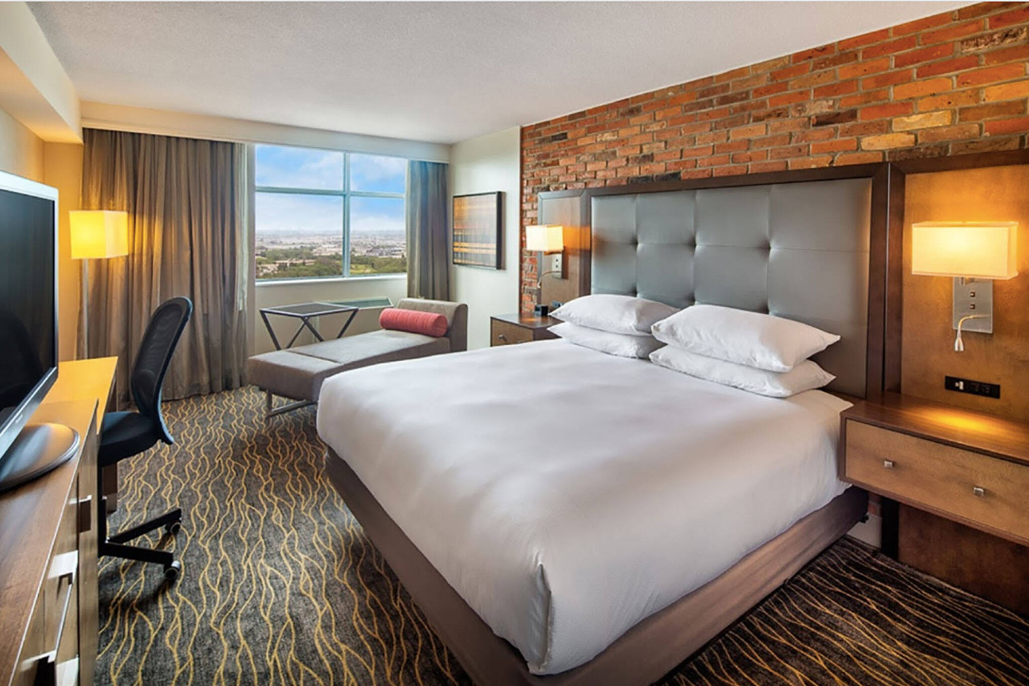 doubletree by hilton toronto airport hotel