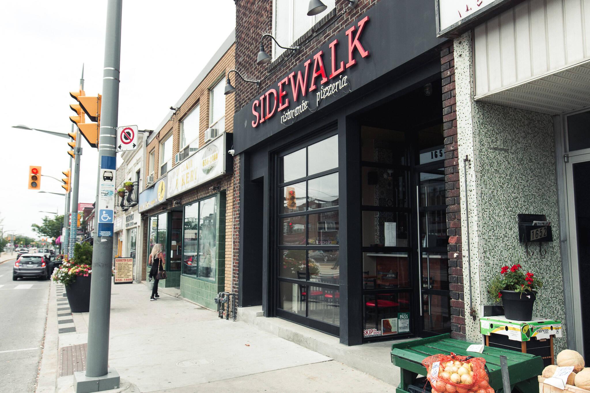 Sidewalk pizza Toronto