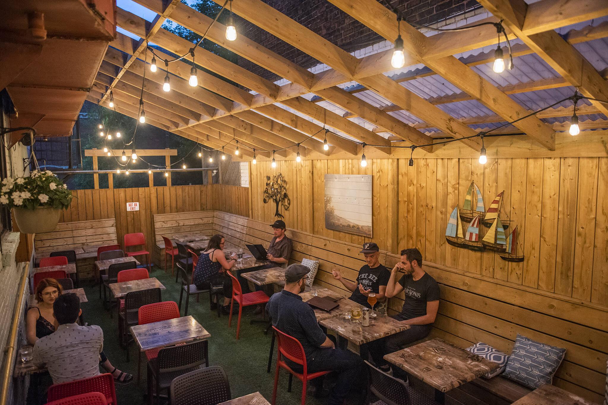 Stout Irish Pub Toronto