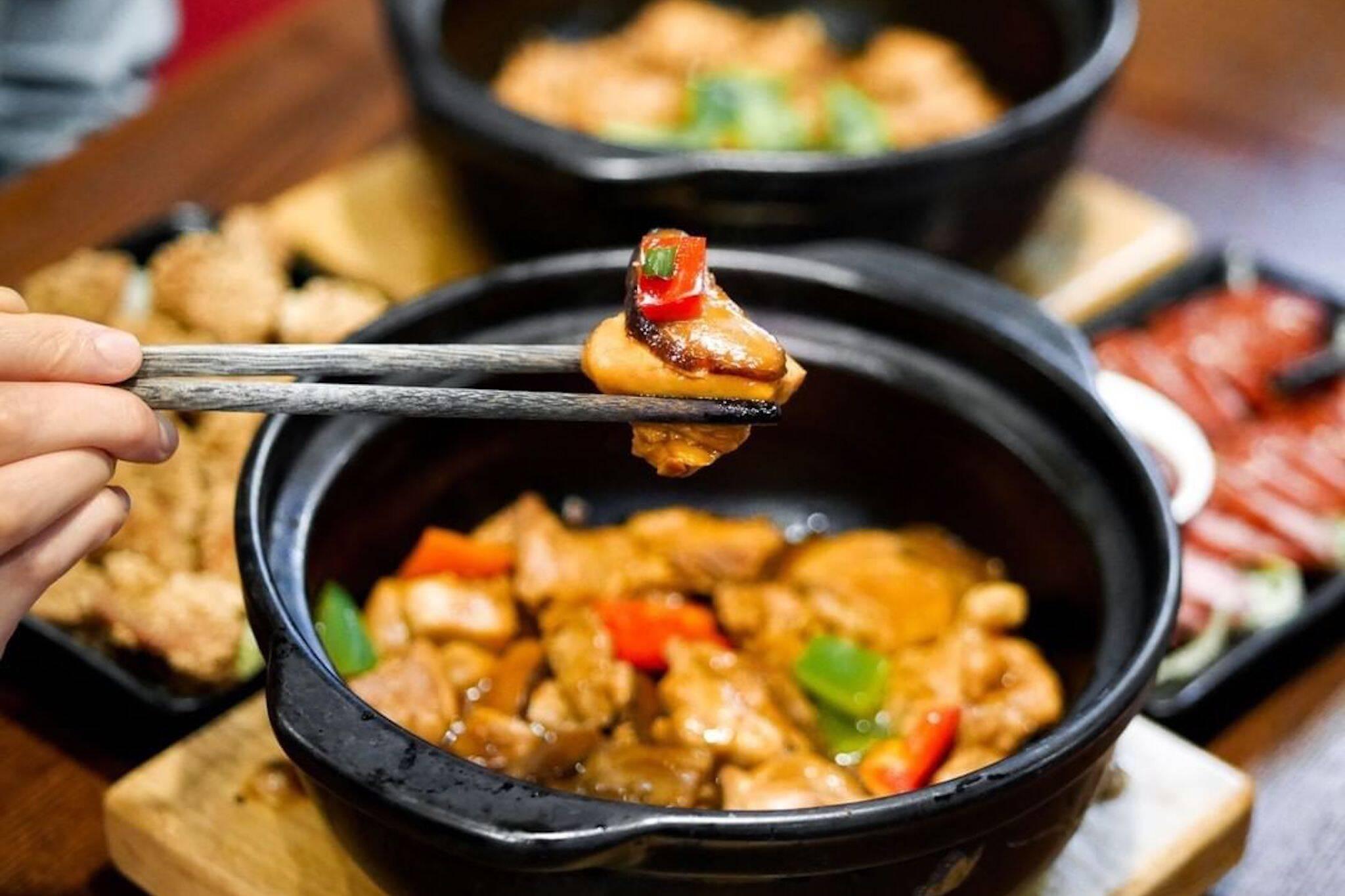 Yangs Braised Chicken Rice Toronto