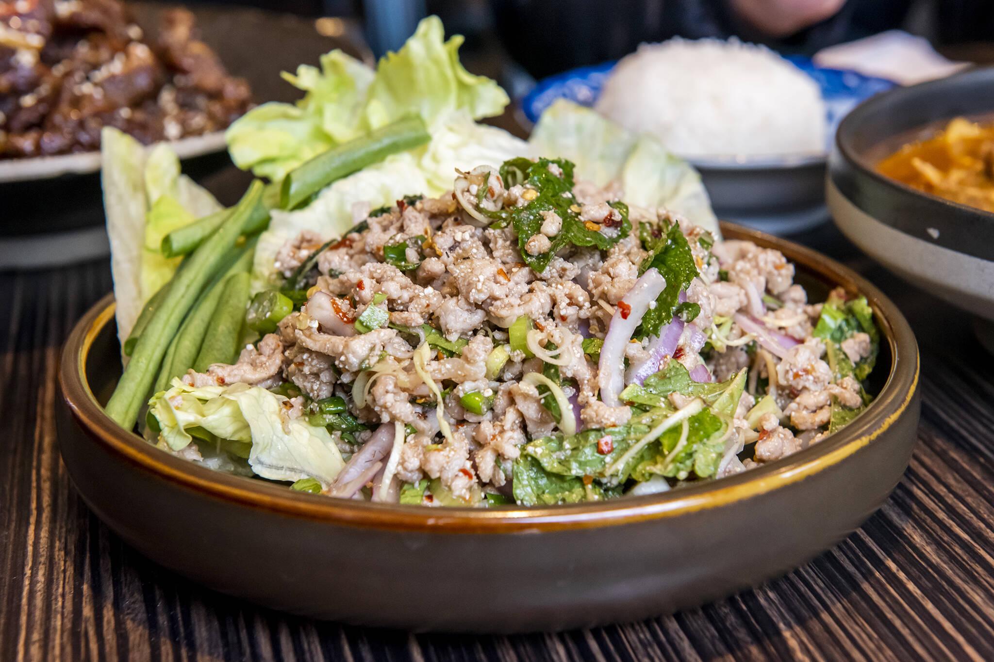 Pii Nong Thai toronto