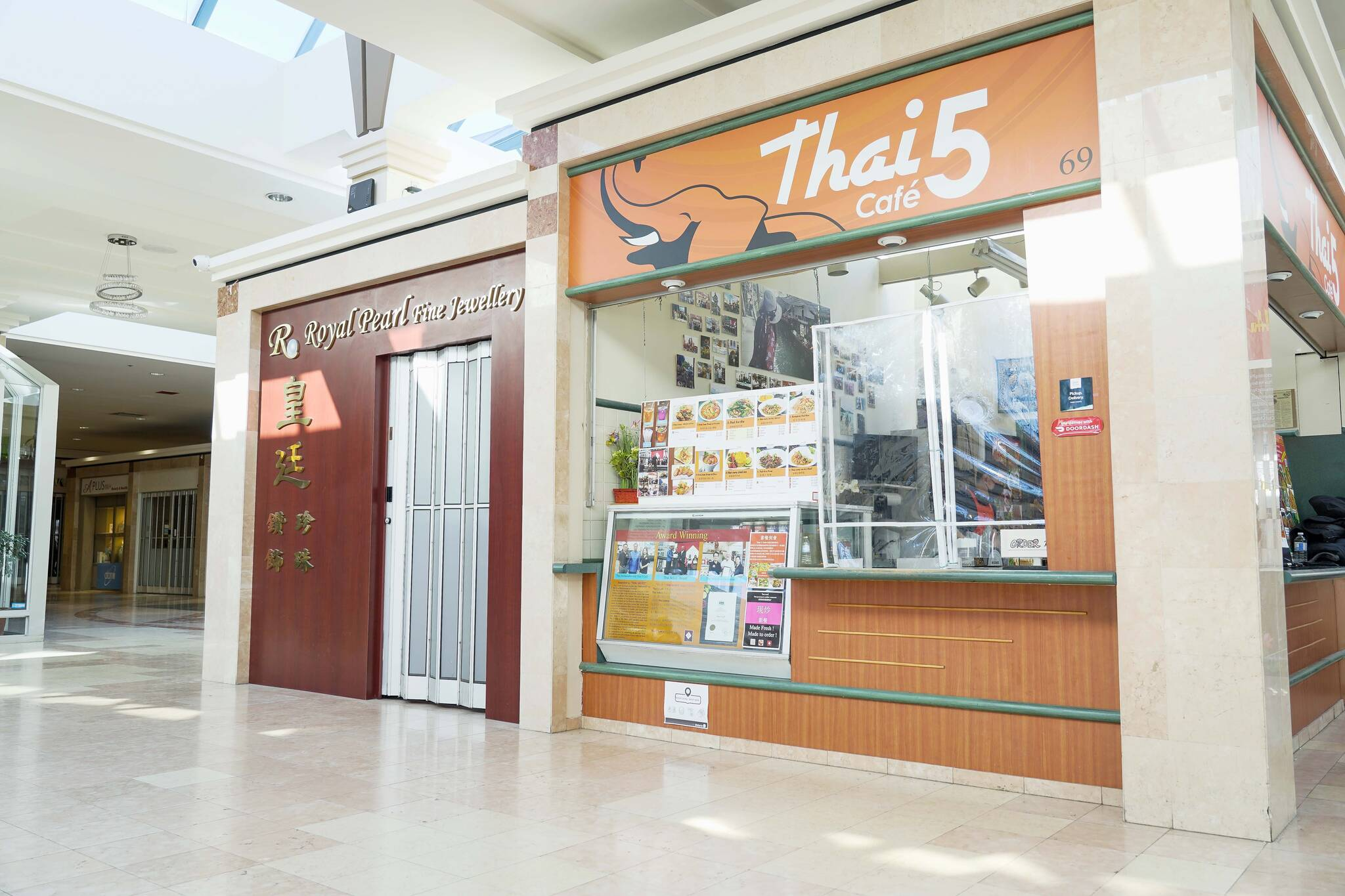 Thai 5 Cafe Toronto