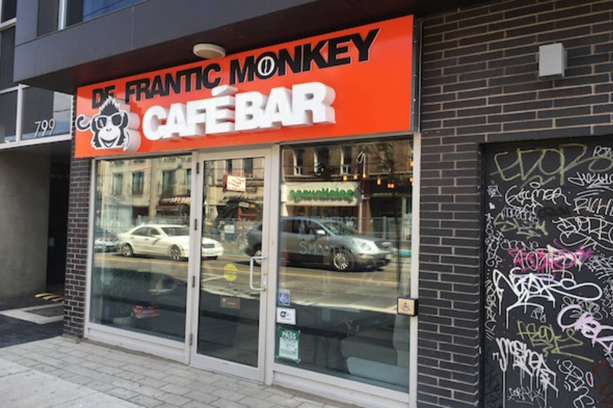 De Frantic Monkey Cafe Bar Toronto