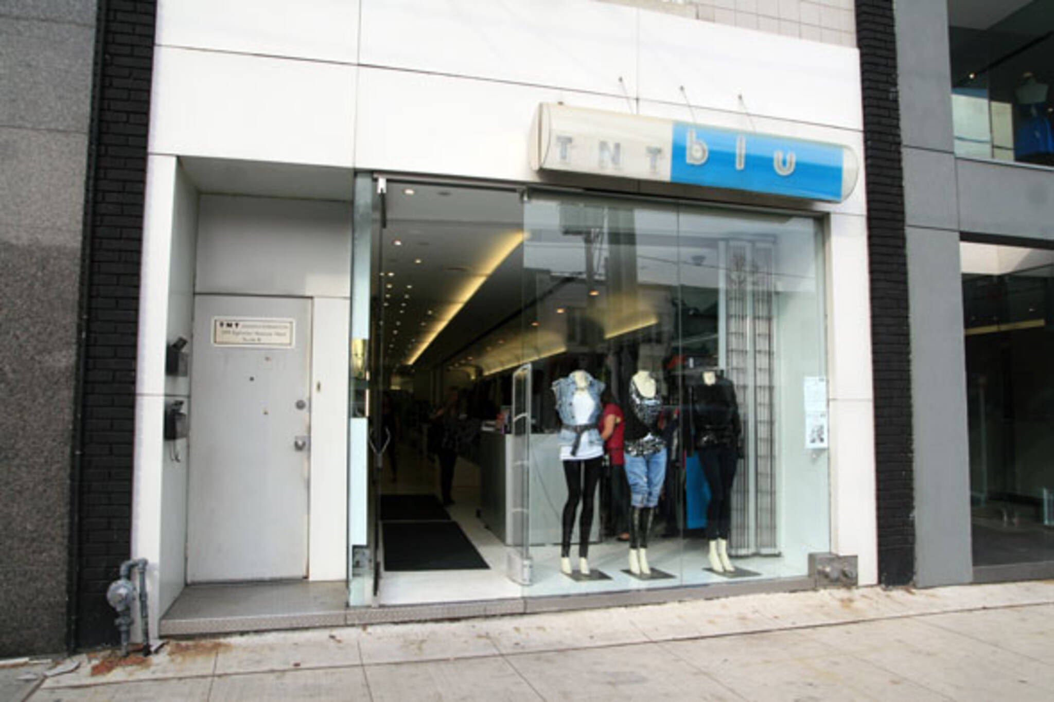 TNT Blu Toronto