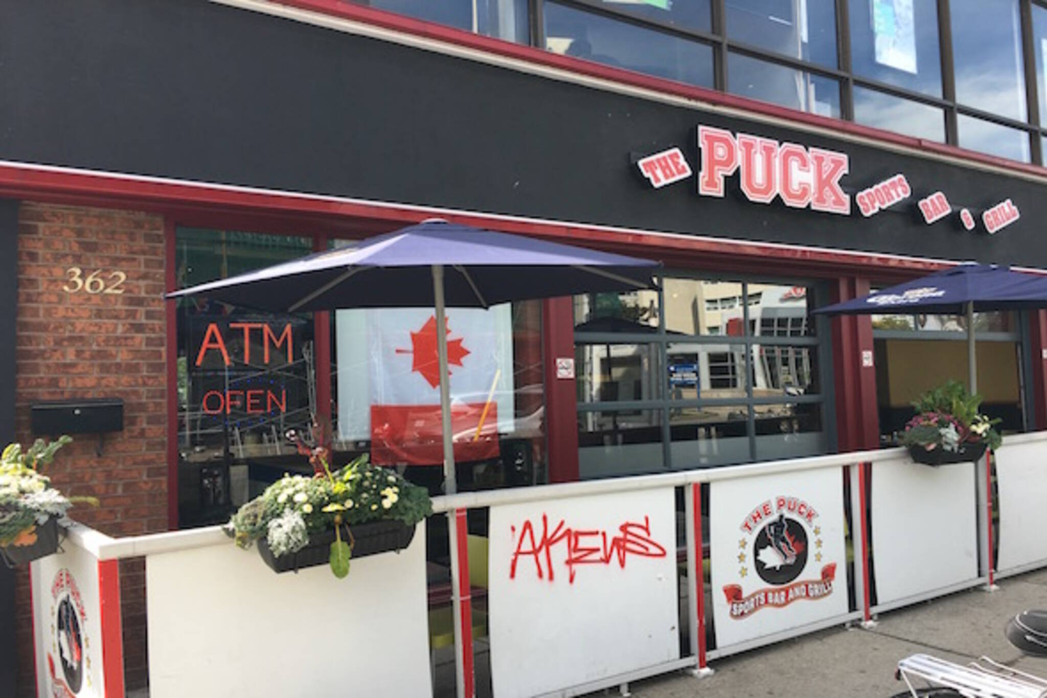 Puck Sports Bar Grill Toronto
