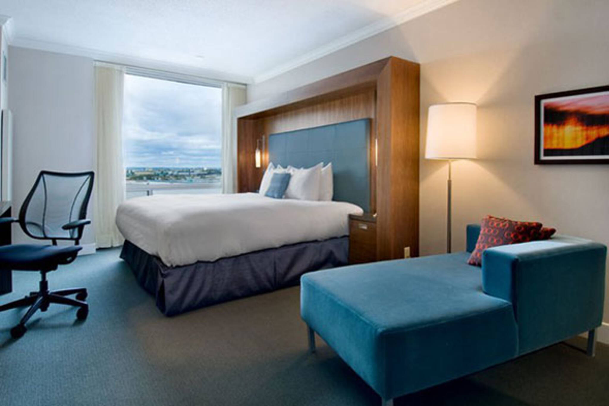 hilton toronto airport hotel and suites