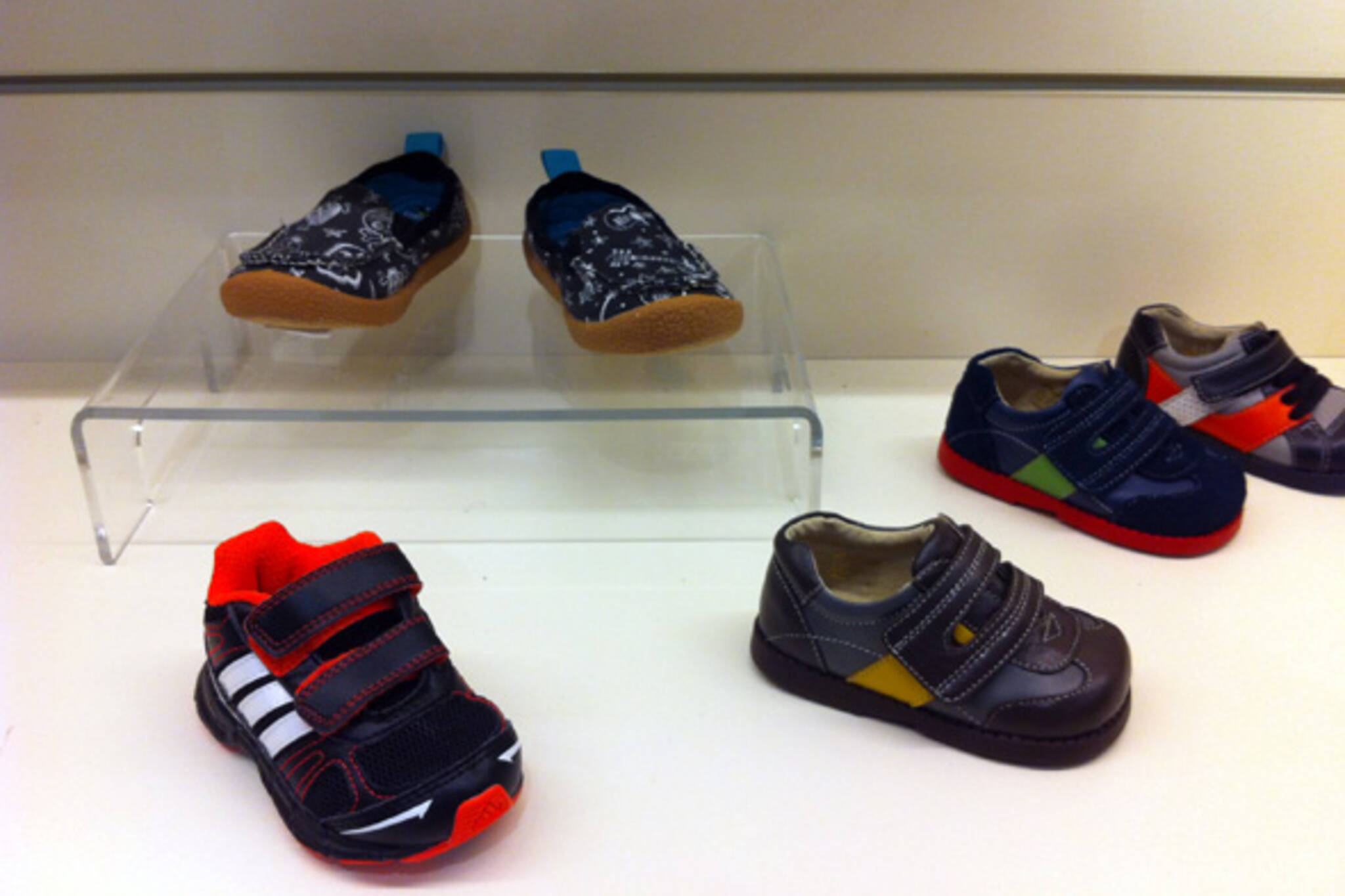 olly shoes toronto