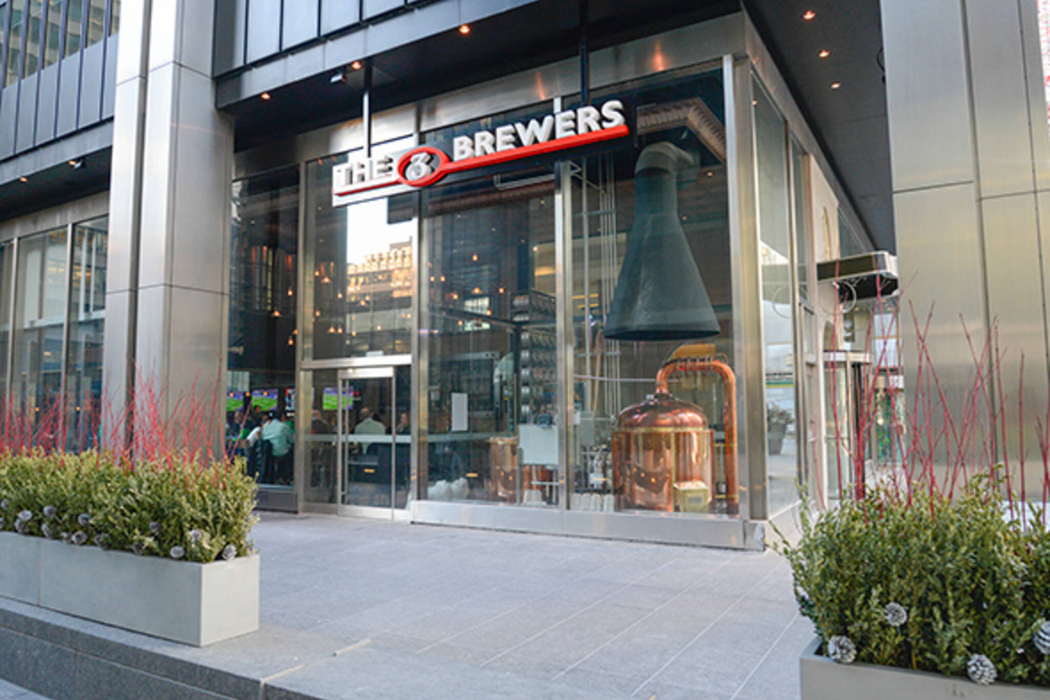 3 brewers financial district blogto toronto for El furniture warehouse toronto menu