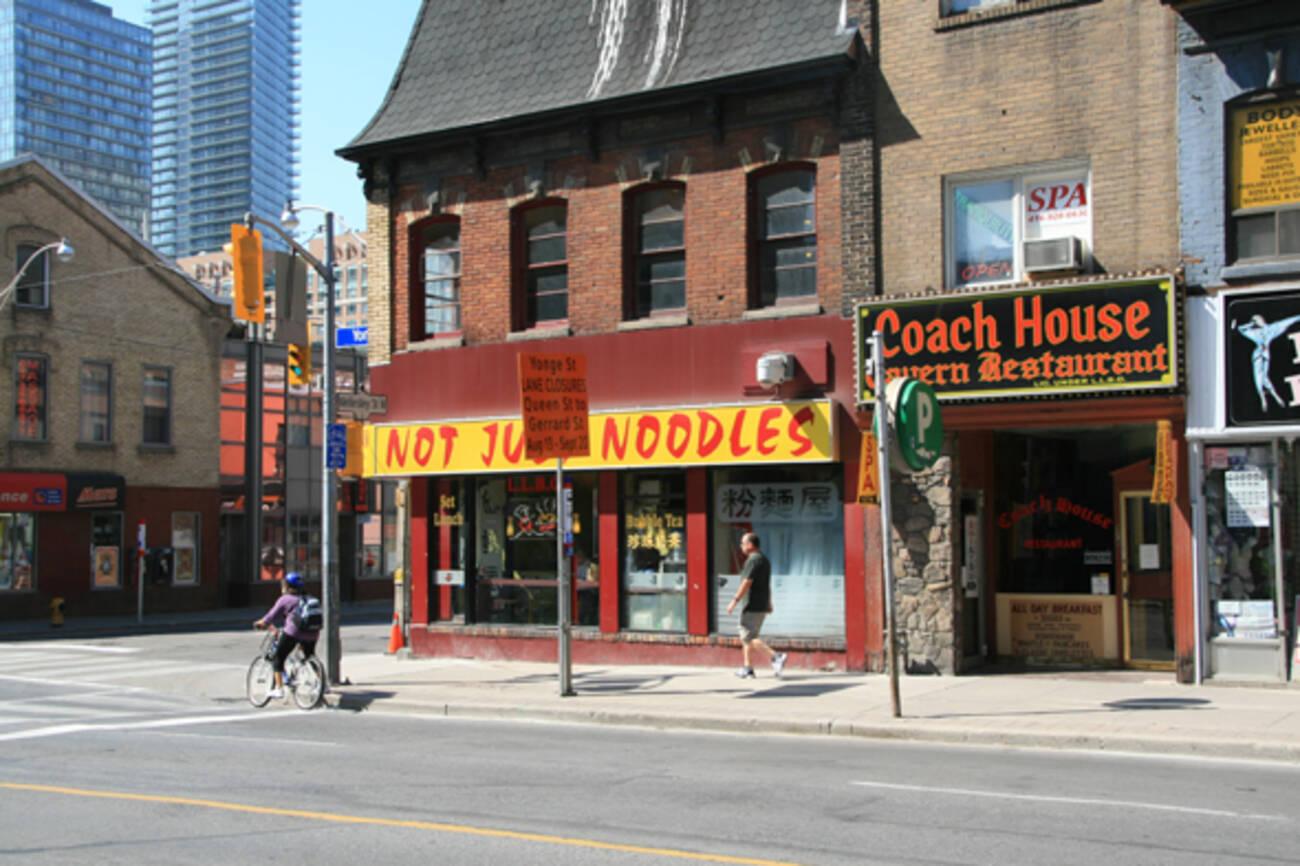 Breakfast Restaurants Near Toronto Coach Terminal
