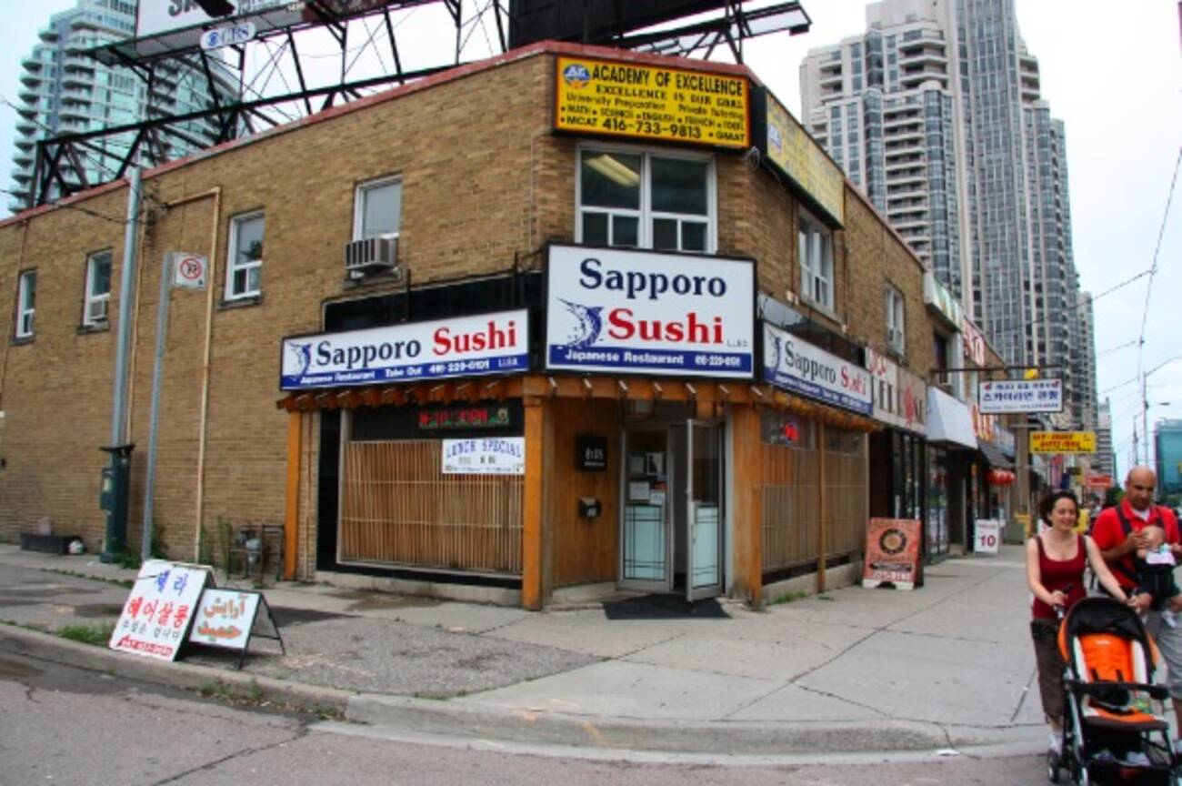 Restaurants Along Yonge Street