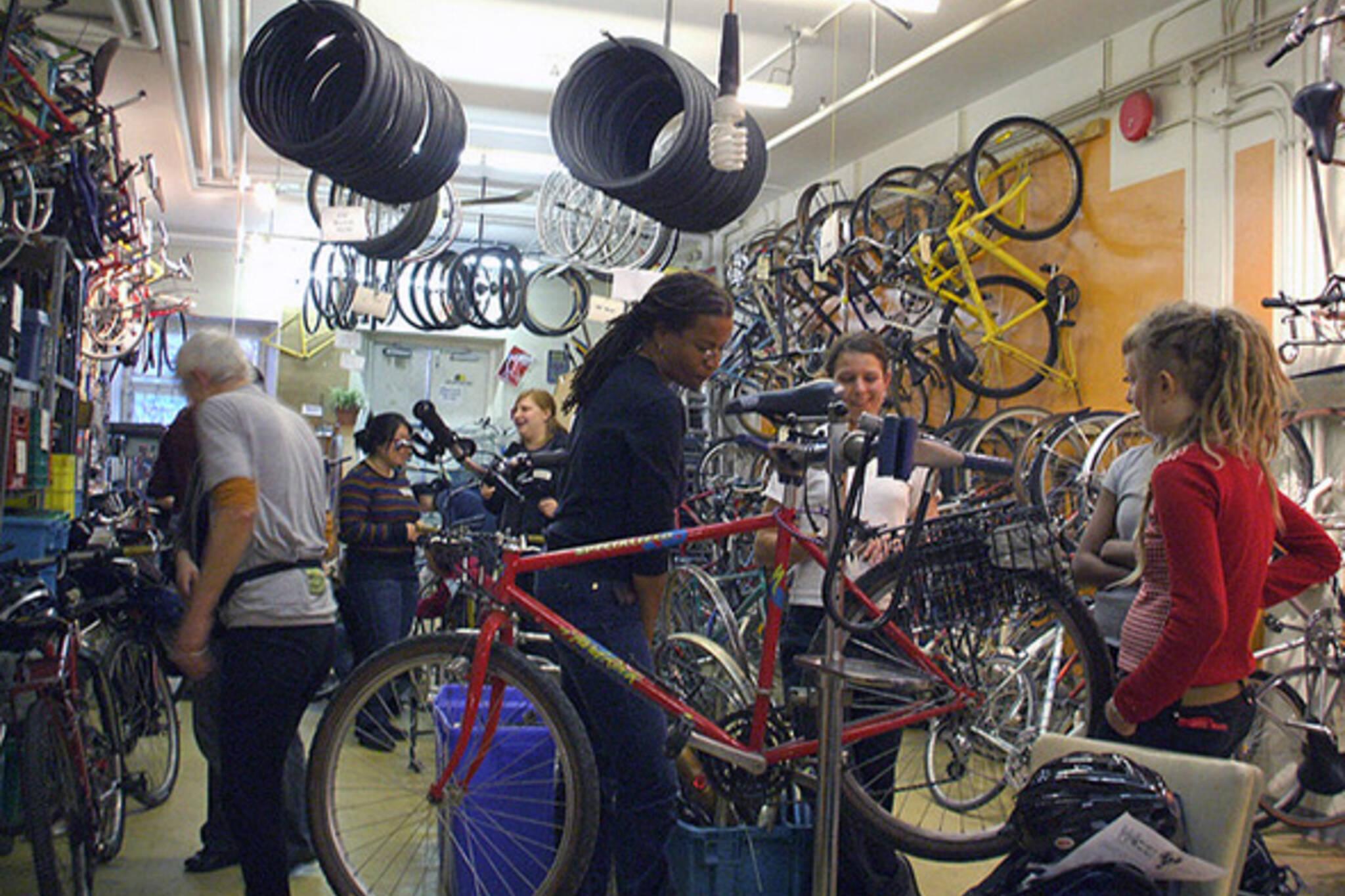 community bicycle network toronto