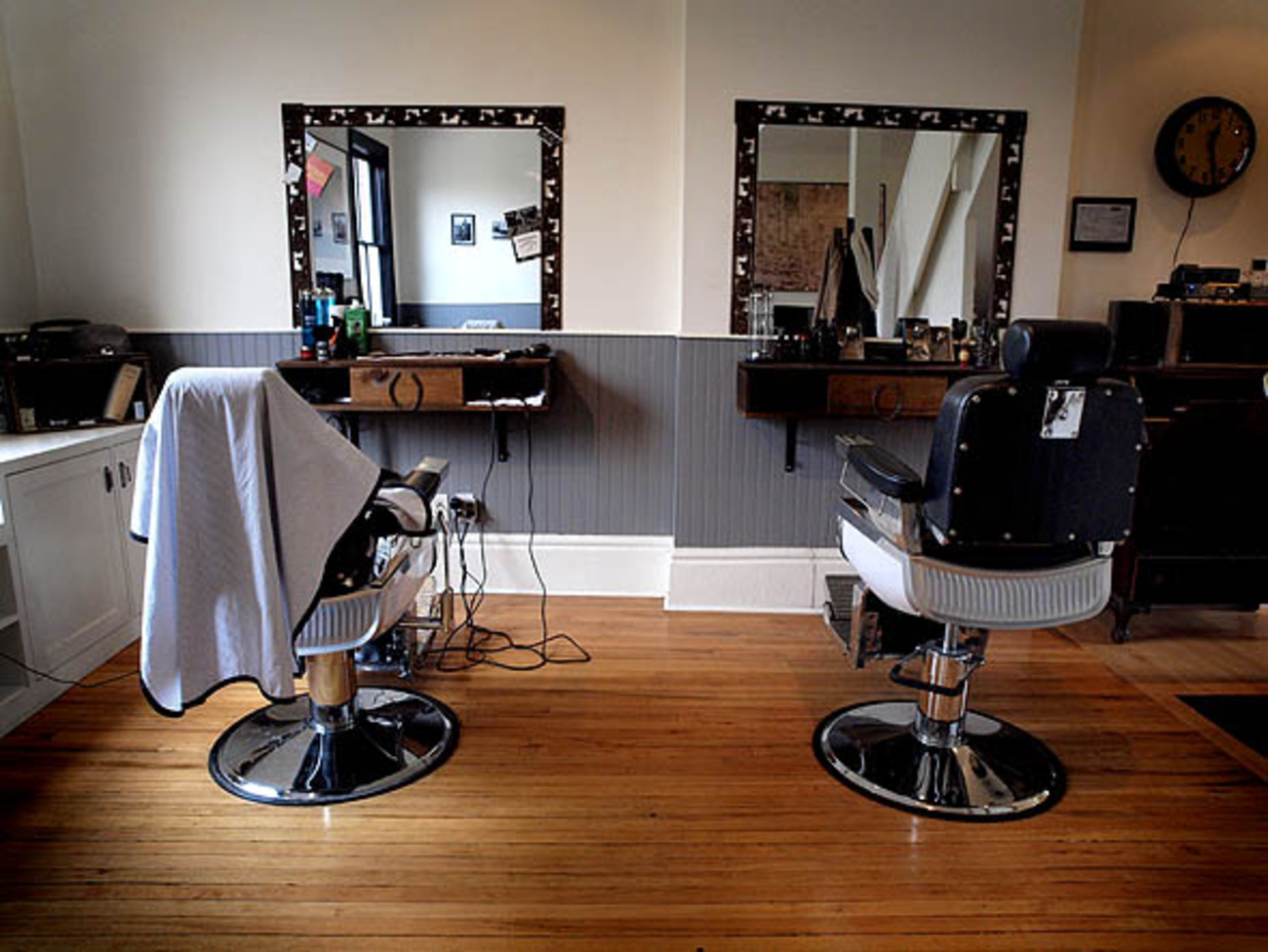 """ned s barber shop Ned's new wave barber shop ned's new wave barber shop specializes in modern unisex haircuts the only service available at ned's is a """"20-minute"""" haircut for which the customer is charged $10 the shop has five (5) barbers."""