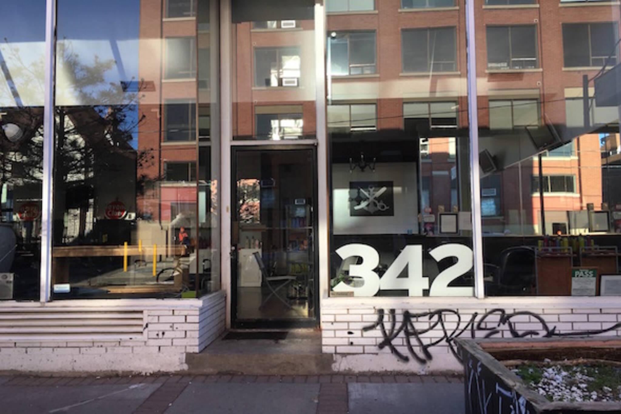 342 Manning Toronto