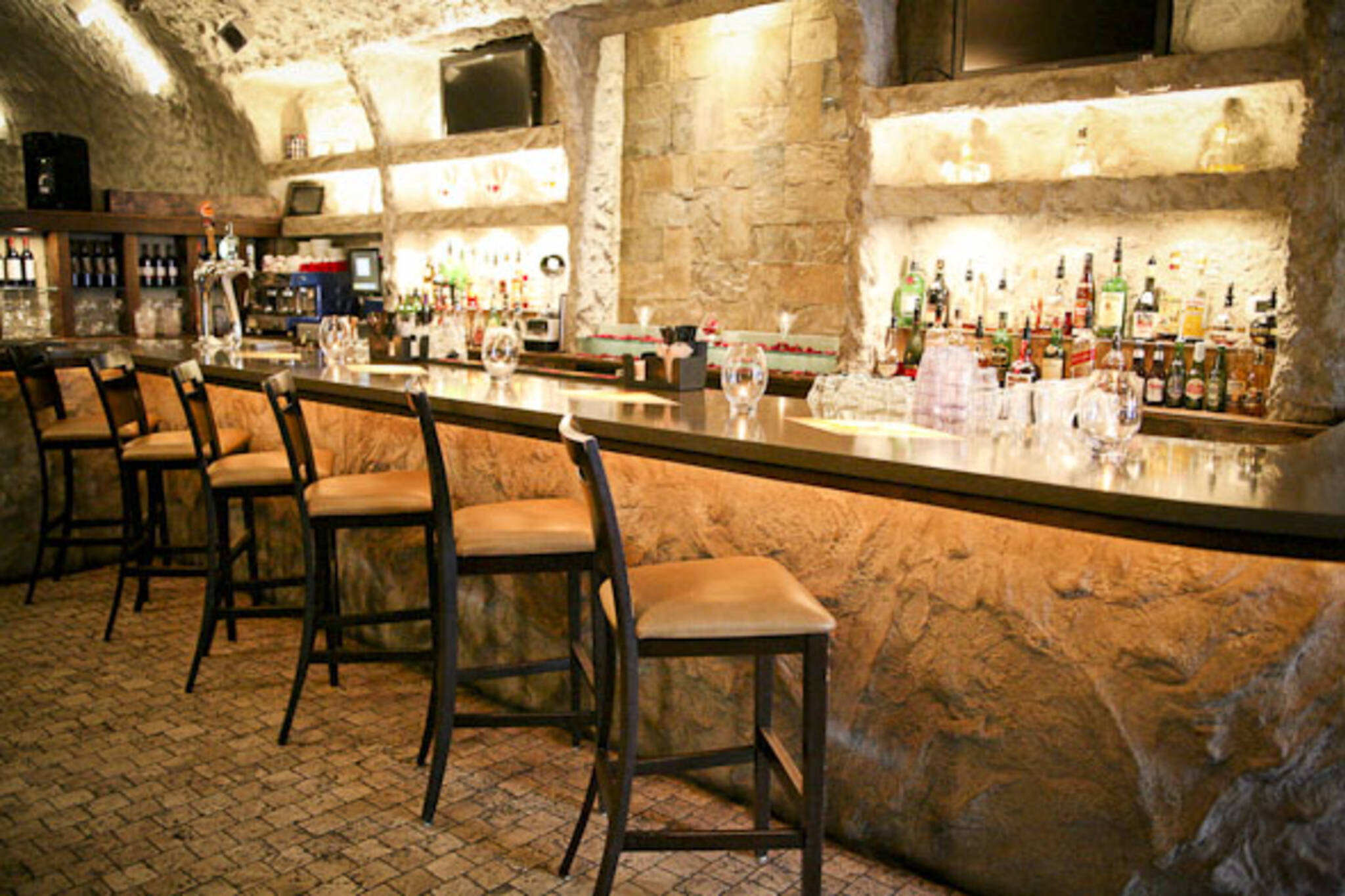 Grotto Lounge