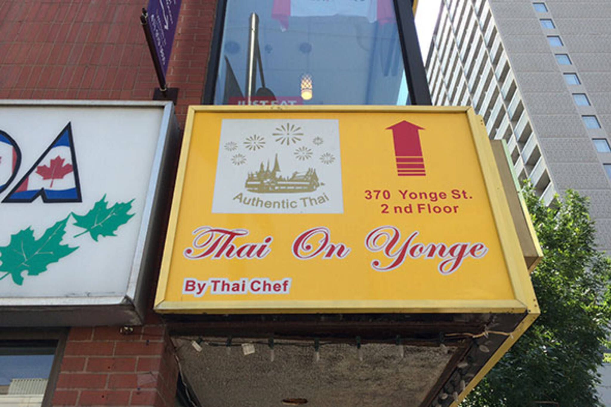Thai on yonge Toronto